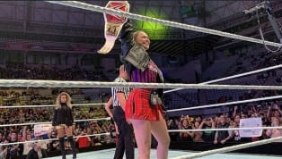 Ronda Rousey Dons FC Barcelona's Jersey and Waves Spain's Flag on WWE Tour; Fans Respond
