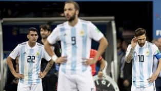 'Argentina than khóc như một lũ đàn bà'
