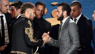 PROTECTEUR : La sortie explosive de Dani Alves pour défendre Neymar