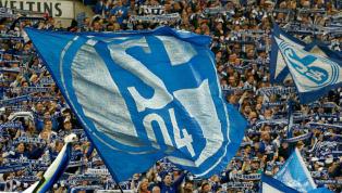 Schalke 04 präsentiert offiziell das neue Heimtrikot