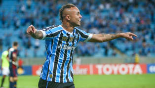 6 Things to Know About Manchester United Target Everton Soares