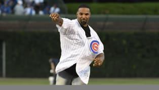 VIDEO: Ex corredor estrella de los Bears hizo el primer pitcheo del juego Cachorros - Medias Blancas