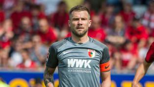 Daniel Baier darf als Kapitän des FC Augsburg weitermachen