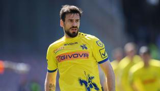 Commozione al Franchi, Tomovic segna in Fiorentina-Chievo e ricorda Astori: ecco il suo gesto