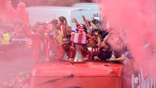 Los jugadores del Atlético se acuerdan del Real Madrid en la celebración de la Europa League