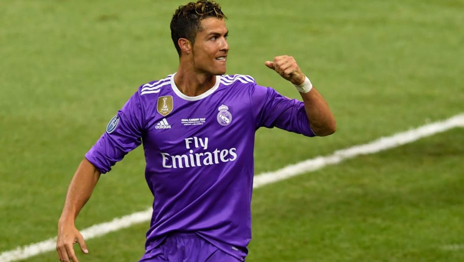 Cristiano Ronaldo acusado de ter sonegado R  54 milhões em impostos  a76947b755ffa