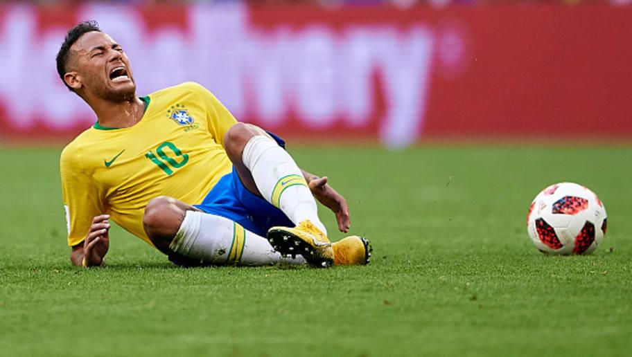 Resultado de imagem para neymar caido