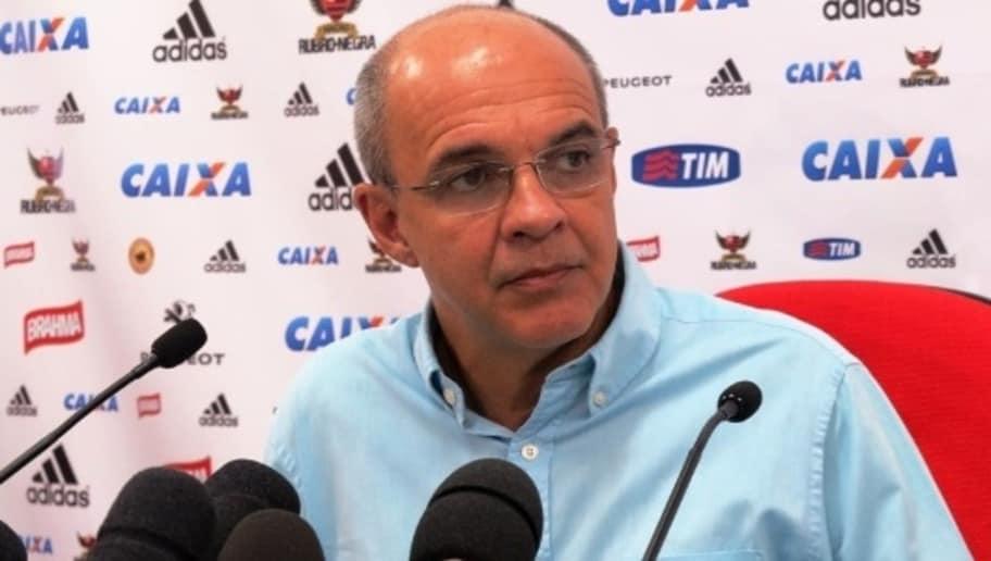 Flamengo encontra barreira, mas segue negociando com reforço