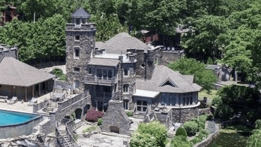 Derek Jeter Is Selling His Historic Lake House And Its Beyond Unreal
