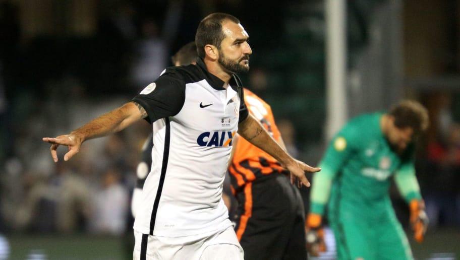 b360d83a26 Santos contrata meio-campista bicampeão da Copa São Paulo com o ...