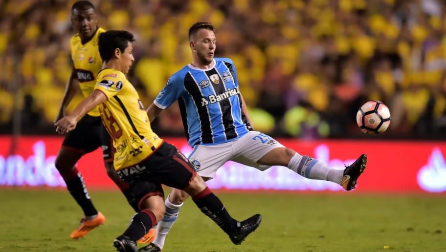 c4cac2dffd Vem mais dinheiro aí  Grêmio simplifica cláusula de bônus por Arthur ...