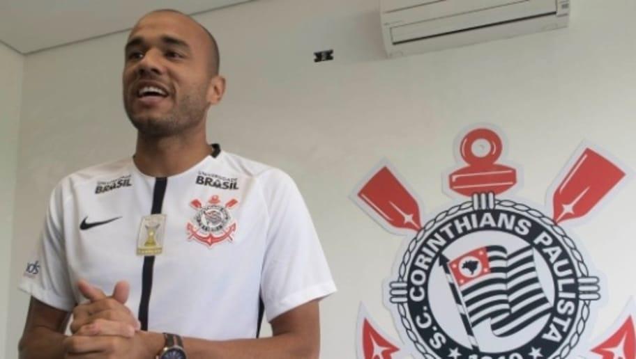 Agora no Corinthians, Roger deixa recado para Internacional