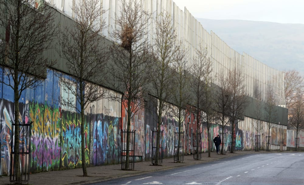 5. THE FIRST 'PEACE WALLS' APPEAR.