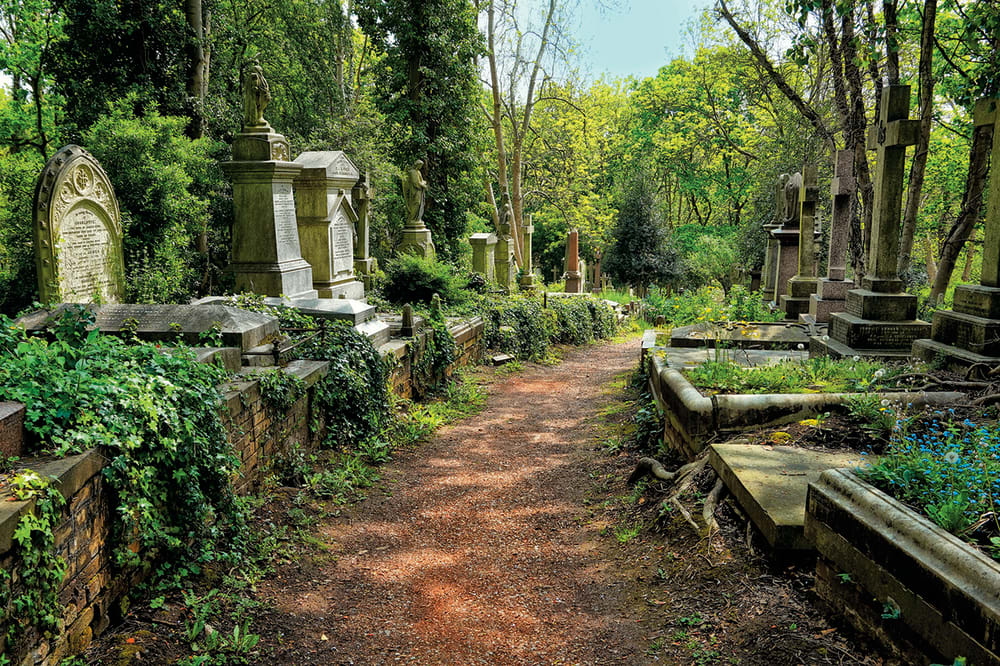 6. HIGHGATE CEMETERY // LONDON, ENGLAND