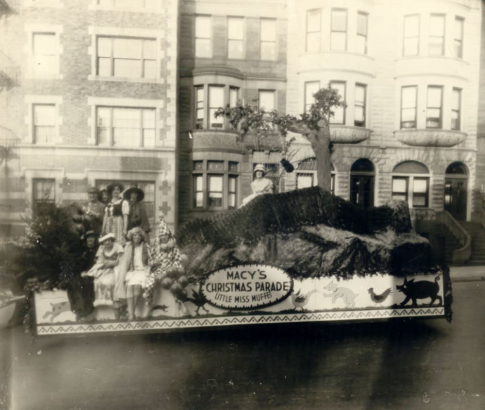 20 Vintage Photos of the Macy's Thanksgiving Day Parade