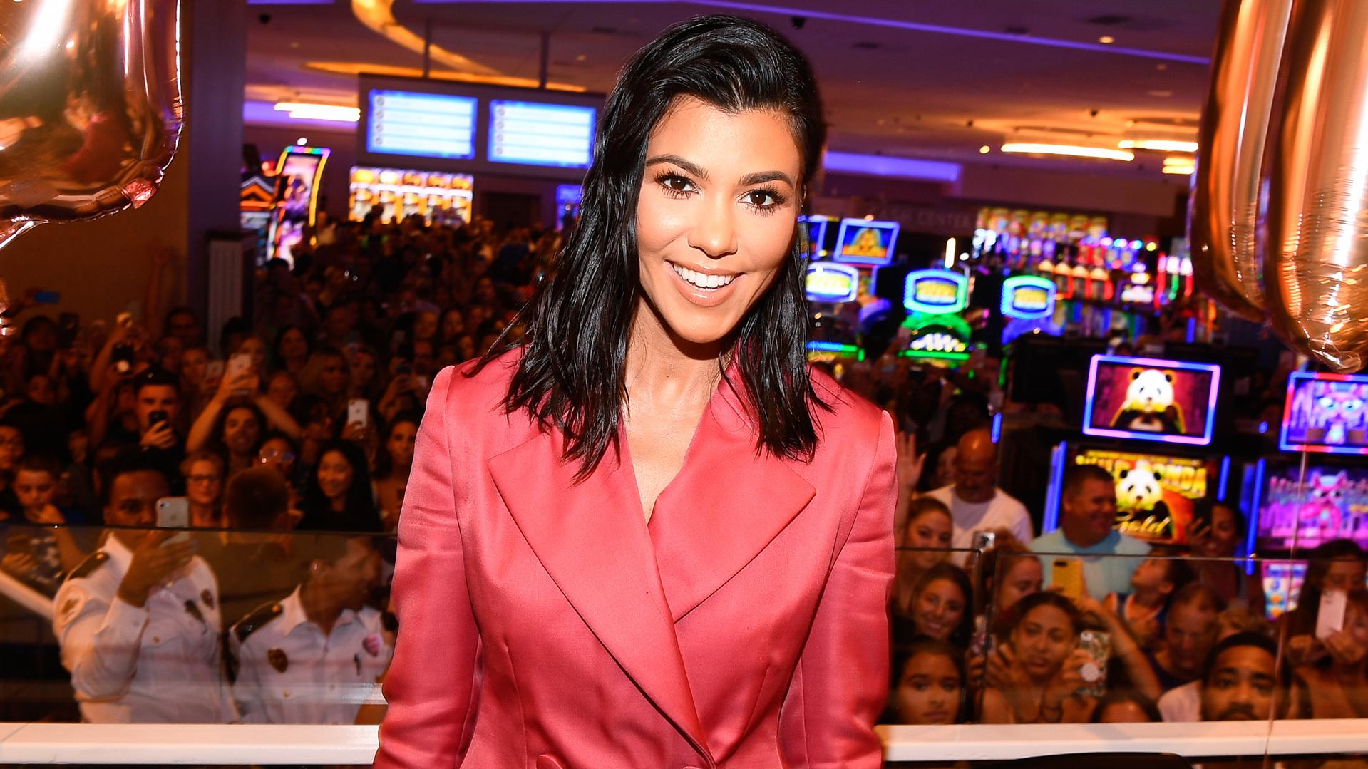RUMOR: Fans de Kourtney Kardashian sospechan que la figura de TV está embarazada