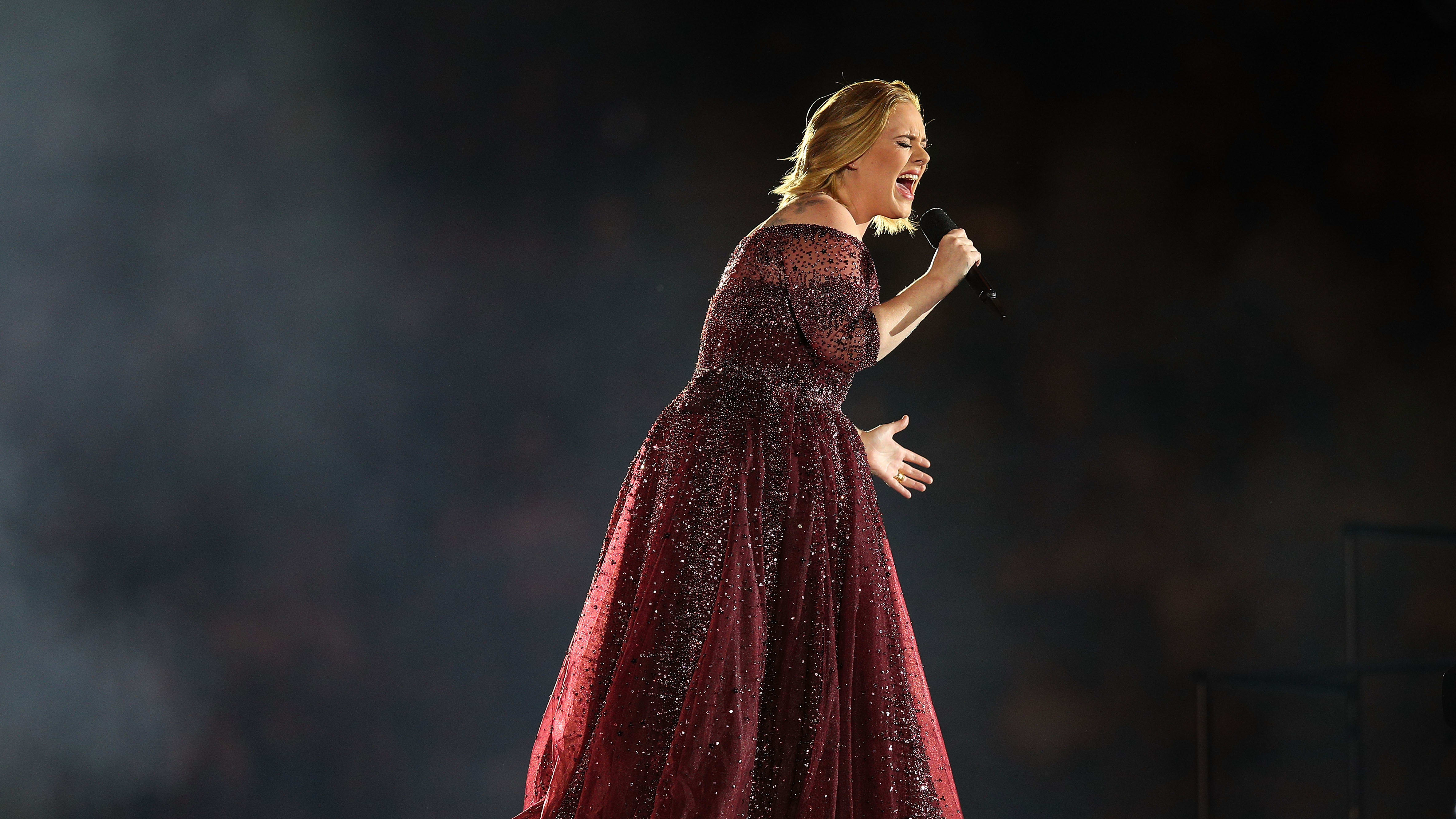MELBOURNE, AUSTRALIA - MARCH 18:  Adele performs at Etihad Stadium on March 18, 2017 in Melbourne, Australia.  (Photo by Graham Denholm/Getty Images)