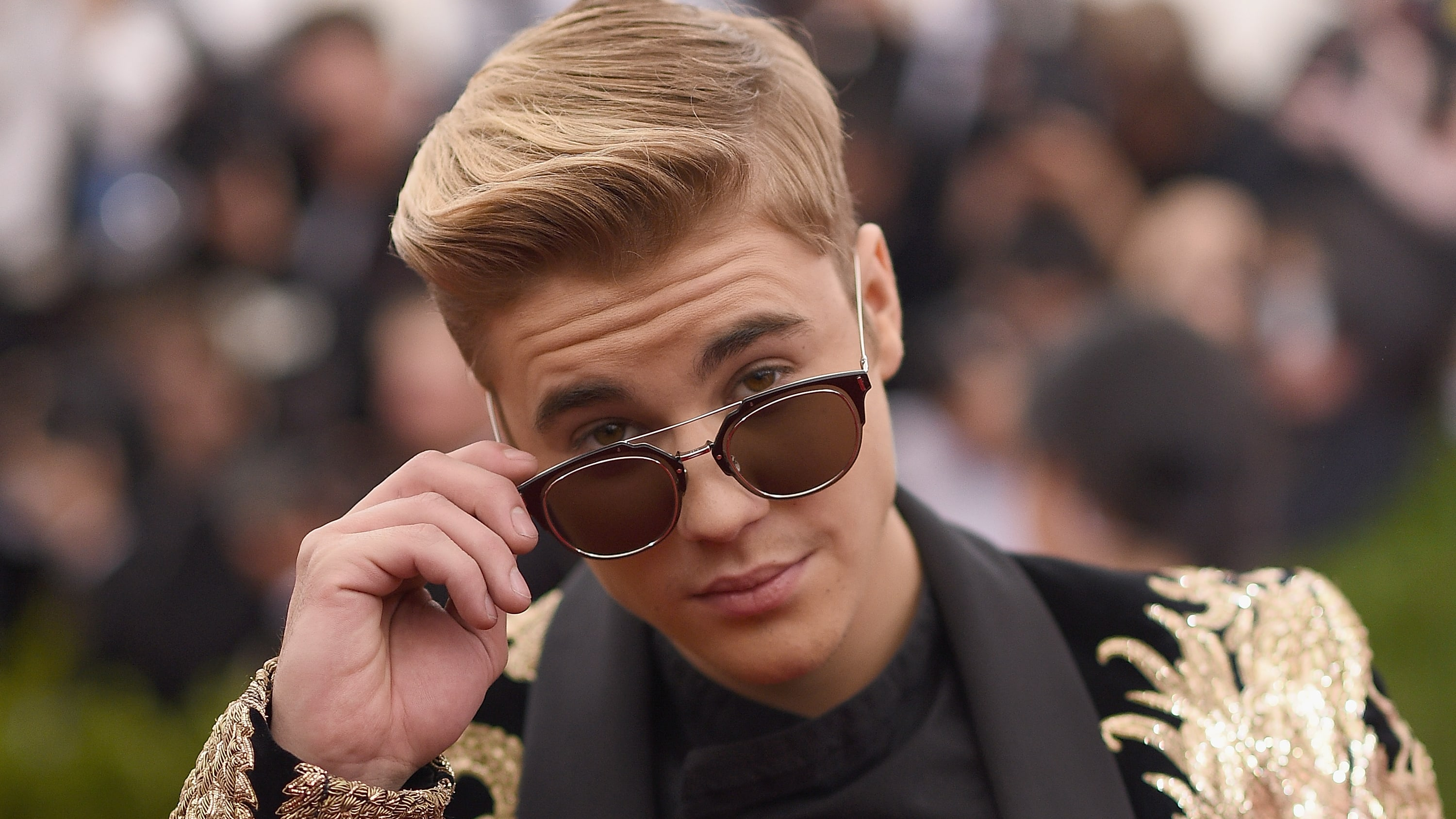 NEW YORK, NY - MAY 04:   Singer Justin Bieber attends the 'China: Through The Looking Glass' Costume Institute Benefit Gala at the Metropolitan Museum of Art on May 4, 2015 in New York City.  (Photo by Dimitrios Kambouris/Getty Images)