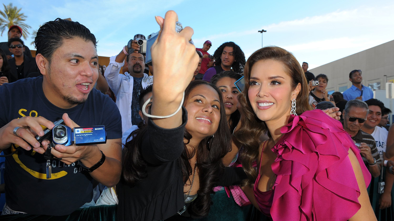 Marlene Favela anunció que está esperando su primer hijo junto a su esposo George Seely