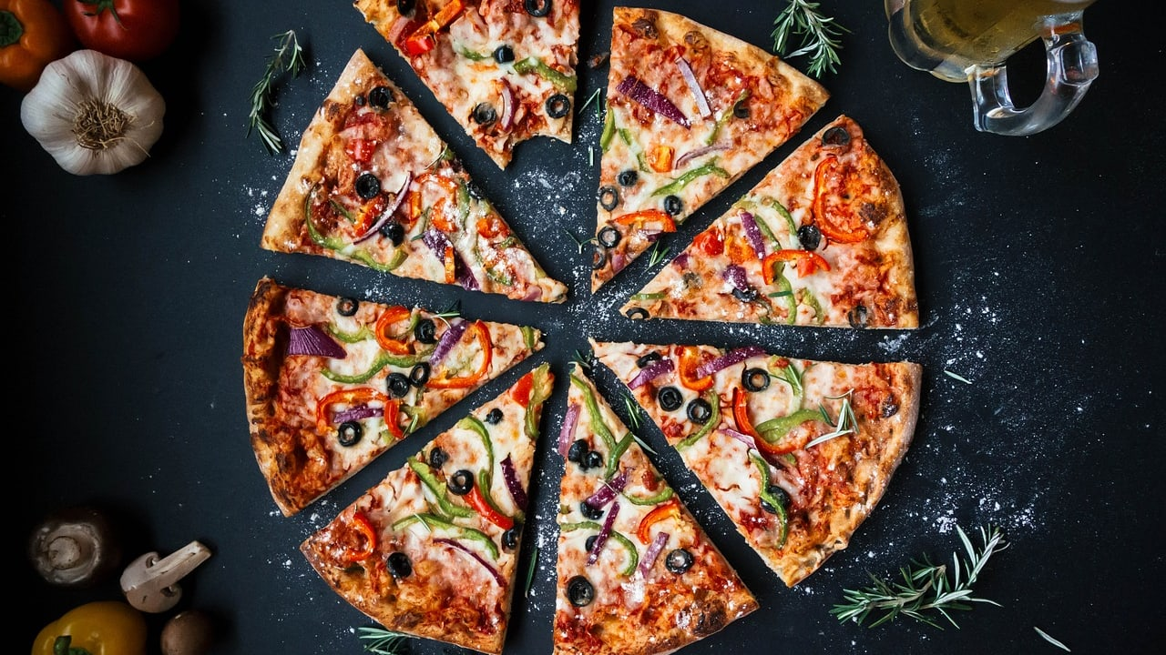 Vegan Pizza: 6 Recipes for the Perfect Night in