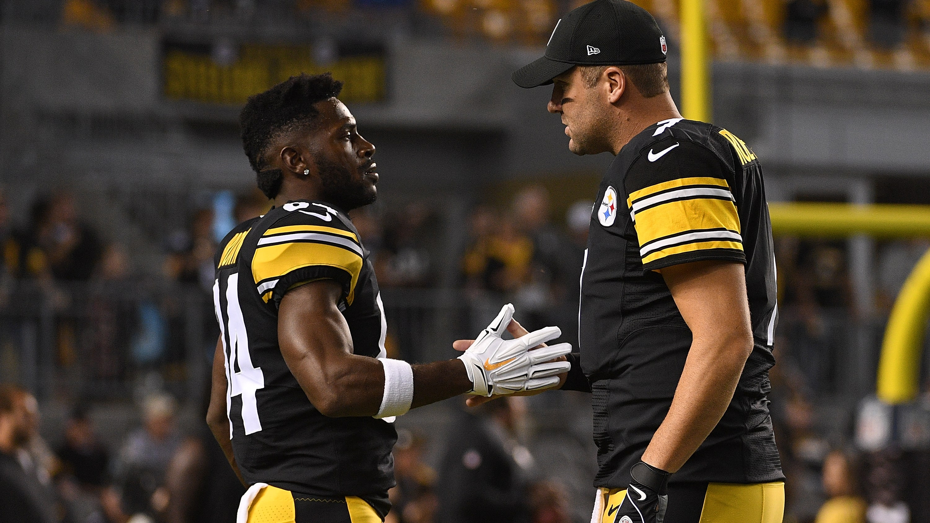 PITTSBURGH, PA - SEPTEMBER 30: Ben Roethlisberger #7 of the Pittsburgh Steelers talks with Antonio Brown #84 during warmups before the game against the Baltimore Ravens at Heinz Field on September 30, 2018 in Pittsburgh, Pennsylvania. (Photo by Justin Berl/Getty Images)