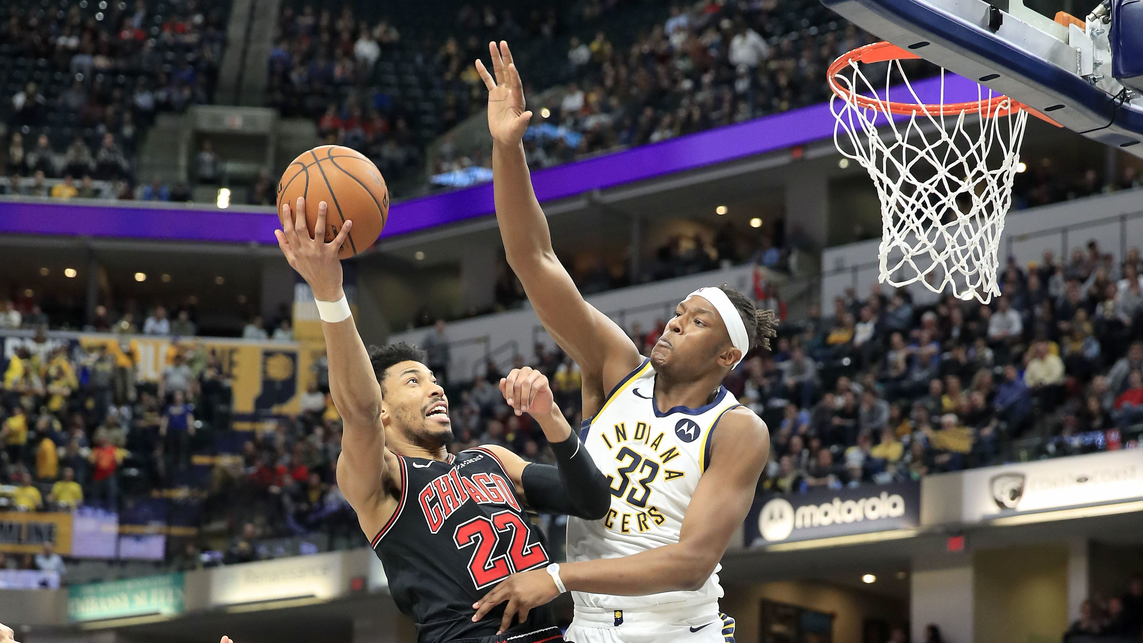 INDIANAPOLIS, INDIANA - MARCH 05:  Otto Porter Jr #22 of the Chicago Bulls shoots the ball while defended by Myles Turner #33 of the Indiana Pacers at Bankers Life Fieldhouse on March 05, 2019 in Indianapolis, Indiana. (Photo by Andy Lyons/Getty Images)