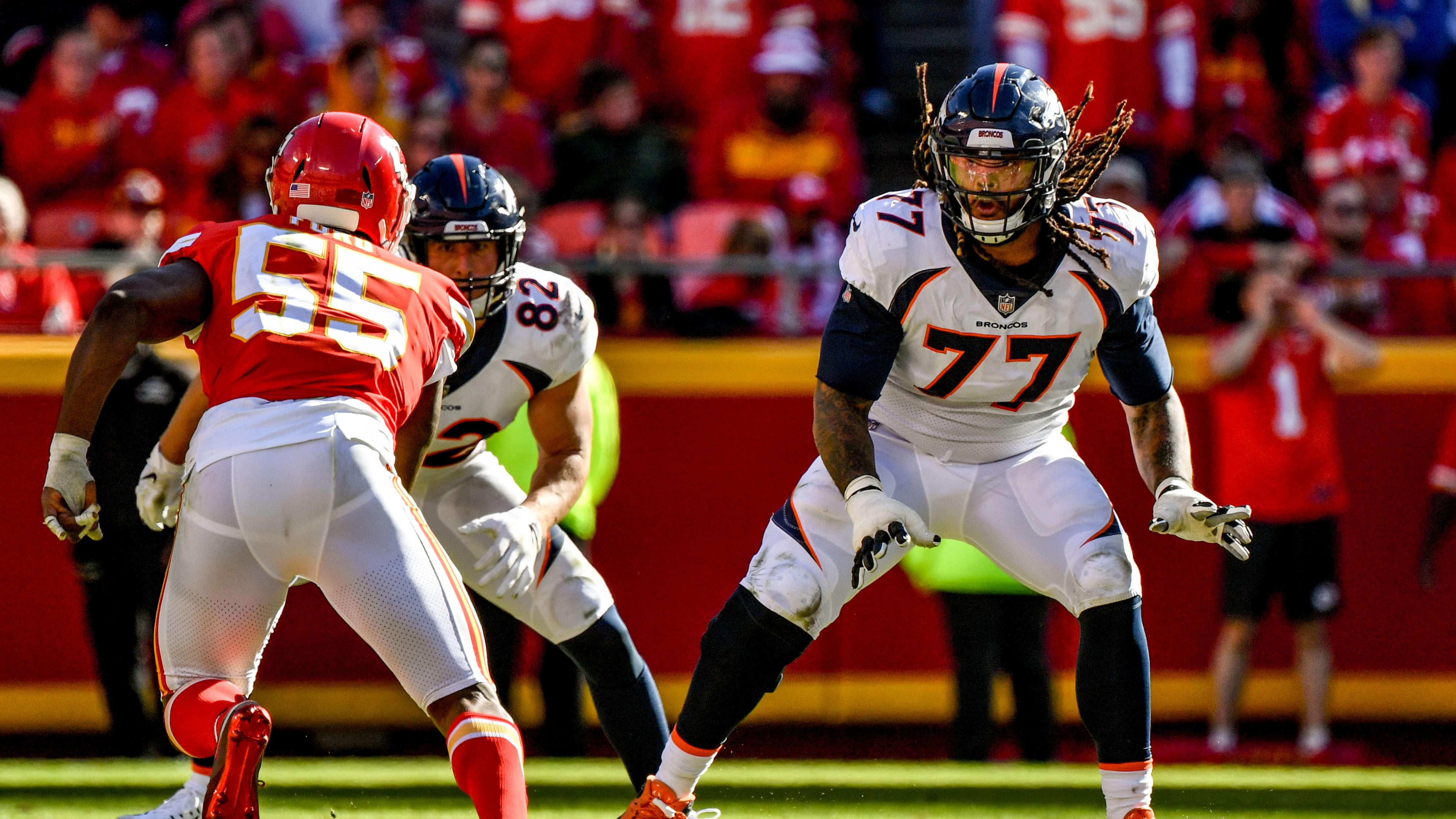 KANSAS CITY, MO - OCTOBER 28: Billy Turner #77 of the Denver Broncos drops back in protection as Dee Ford #55 of the Kansas City Chiefs begins his pass rush during the second half at Arrowhead Stadium on October 28, 2018 in Kansas City, Missouri. (Photo by Peter Aiken/Getty Images)