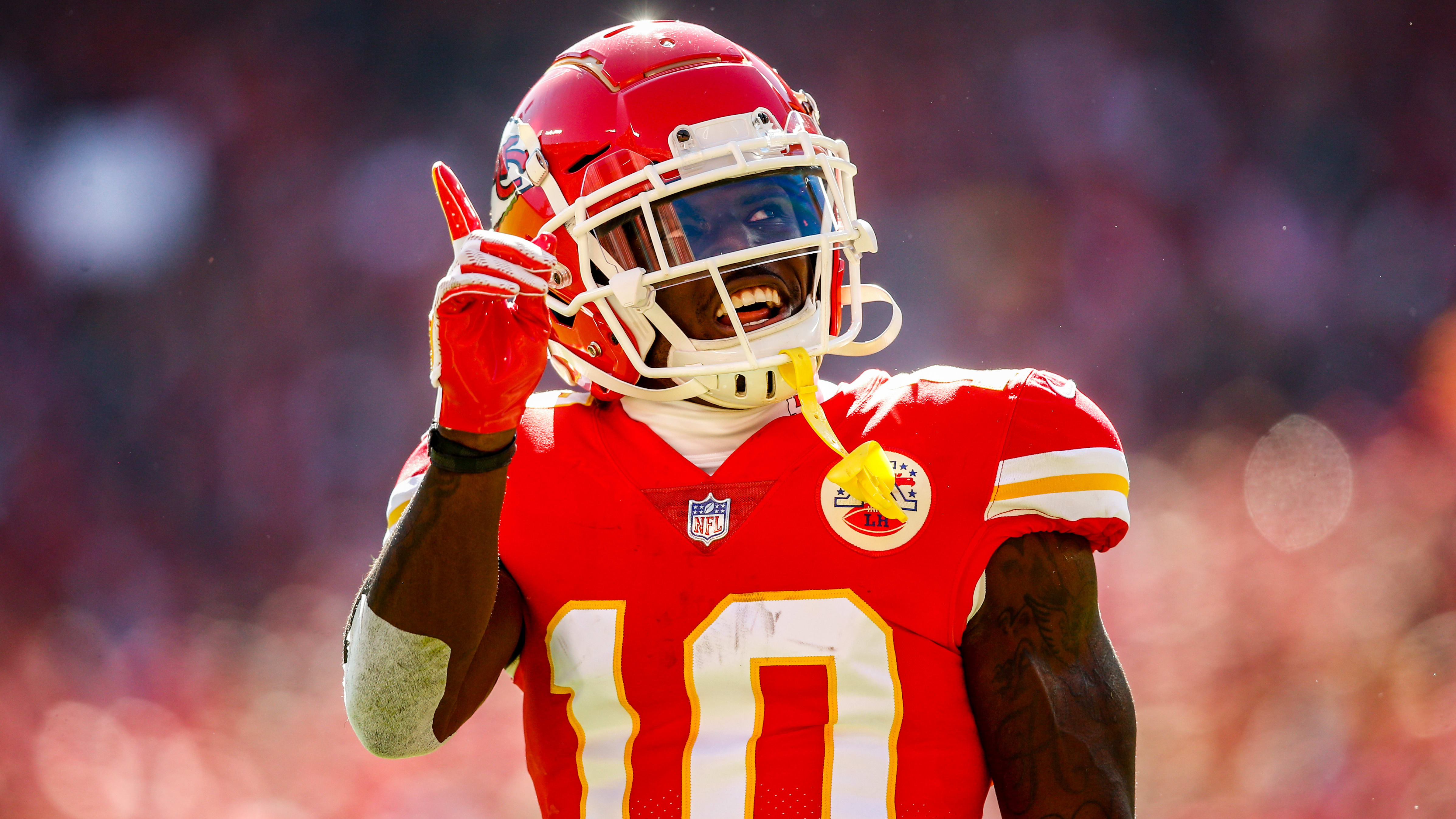 KANSAS CITY, MO - OCTOBER 28: Tyreek Hill #10 of the Kansas City Chiefs acknowledges the crowd after a catch during the first half of the game against the Denver Broncos at Arrowhead Stadium on October 28, 2018 in Kansas City, Missouri. (Photo by David Eulitt/Getty Images)