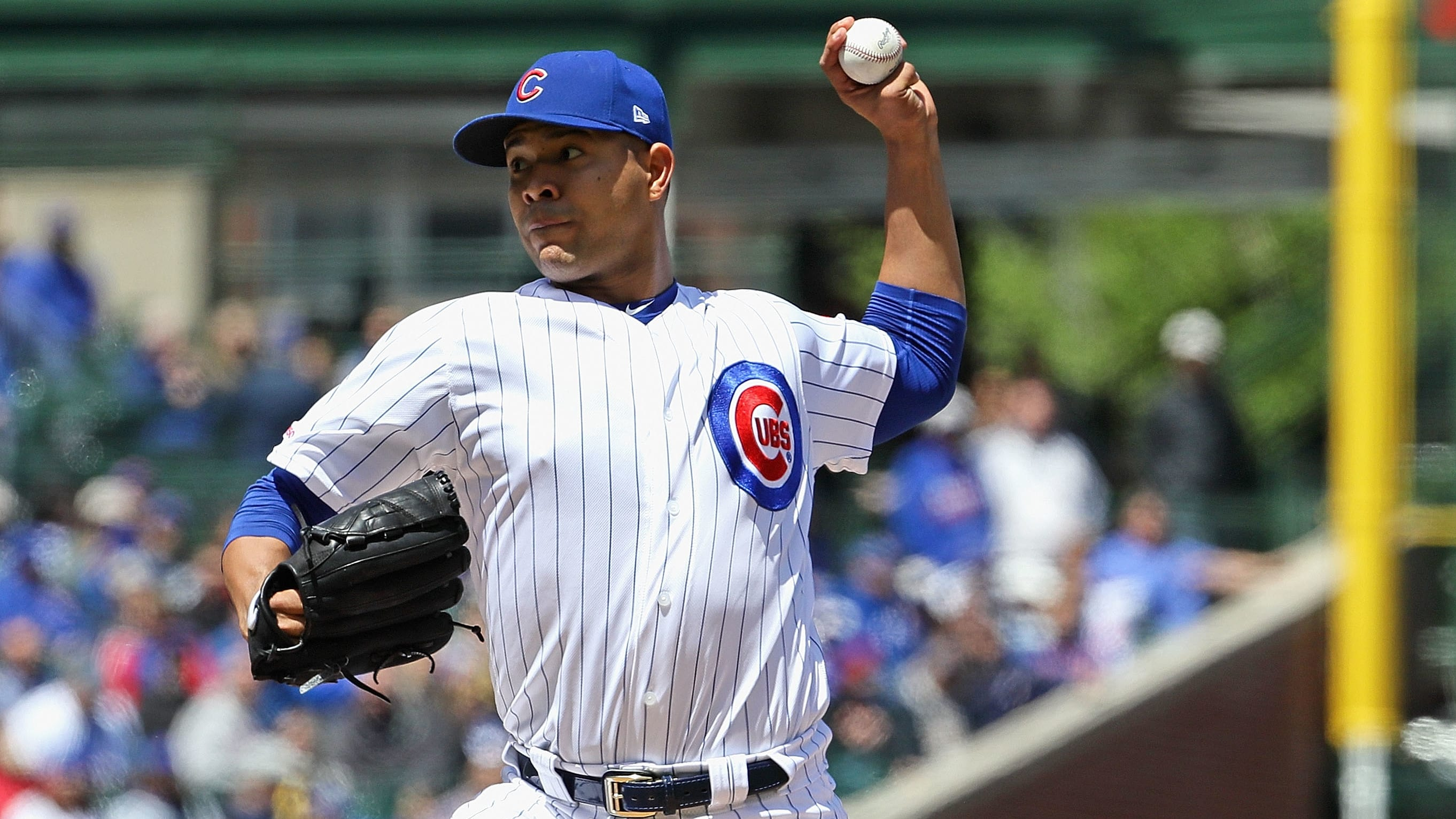 CHICAGO, ILLINOIS - MAY 10: Starting pitcher Jose Quintana #62 of the Chicago Cubs delivers the ball against the Milwaukee Brewers at Wrigley Field on May 10, 2019 in Chicago, Illinois. The Brewers defeated the Cubs 7-0. (Photo by Jonathan Daniel/Getty Images)