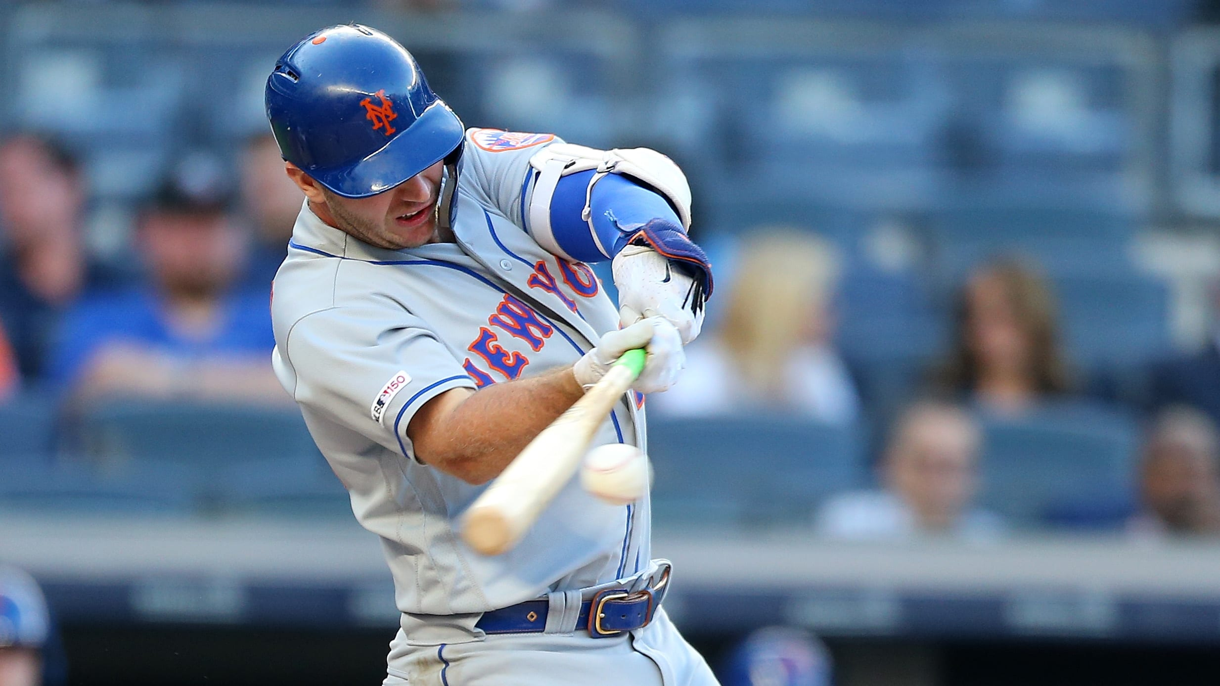 NEW YORK, NEW YORK - JUNE 11:  Pete Alonso #20 of the New York Mets hits a three-run home run to left center field in the first inning against the New York Yankees at Yankee Stadium on June 11, 2019 in New York City. (Photo by Mike Stobe/Getty Images)