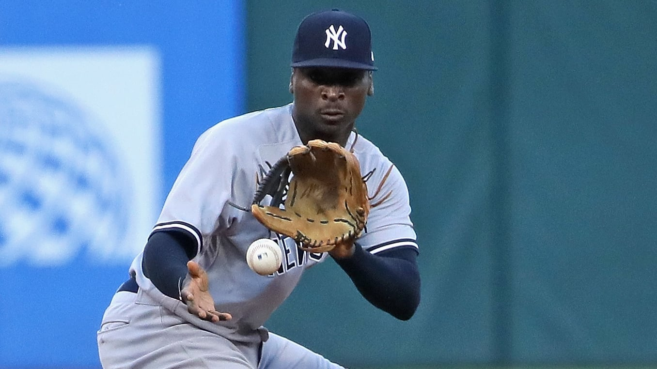CHICAGO, IL - AUGUST 07:  Didi Gregorius #18 of the New York Yankees fields the ball against the Chicago White Sox at Guaranteed Rate Field on August 7, 2018 in Chicago, Illinois. The Yankees defeated the White Sox 4-3 in 13 innings. (Photo by Jonathan Daniel/Getty Images)
