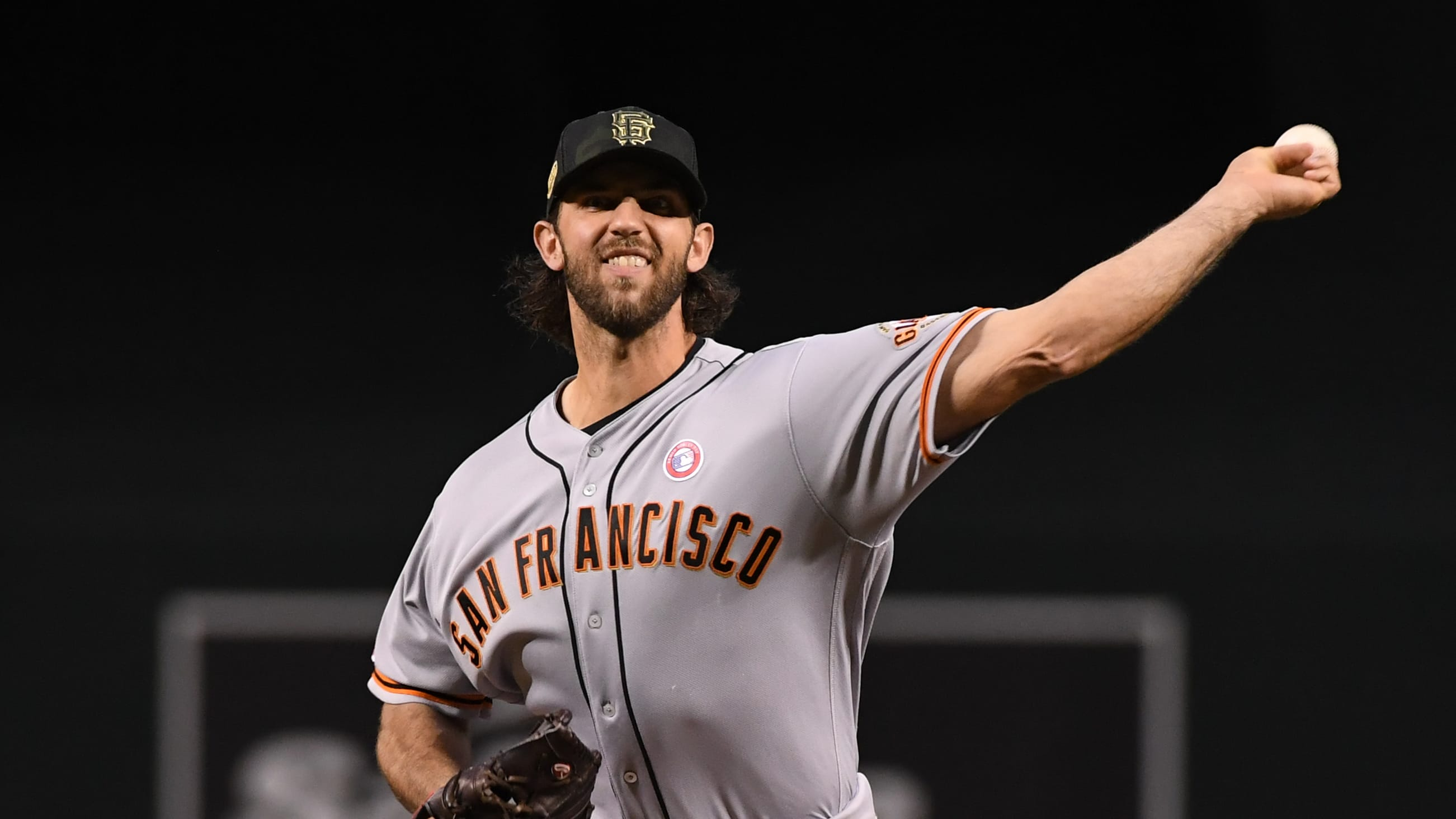 PHOENIX, ARIZONA - MAY 18:  Madison Bumgarner #40 of the San Francisco Giants delivers a first inning warm up pitch against the Arizona Diamondbacks at Chase Field on May 18, 2019 in Phoenix, Arizona. (Photo by Norm Hall/Getty Images)