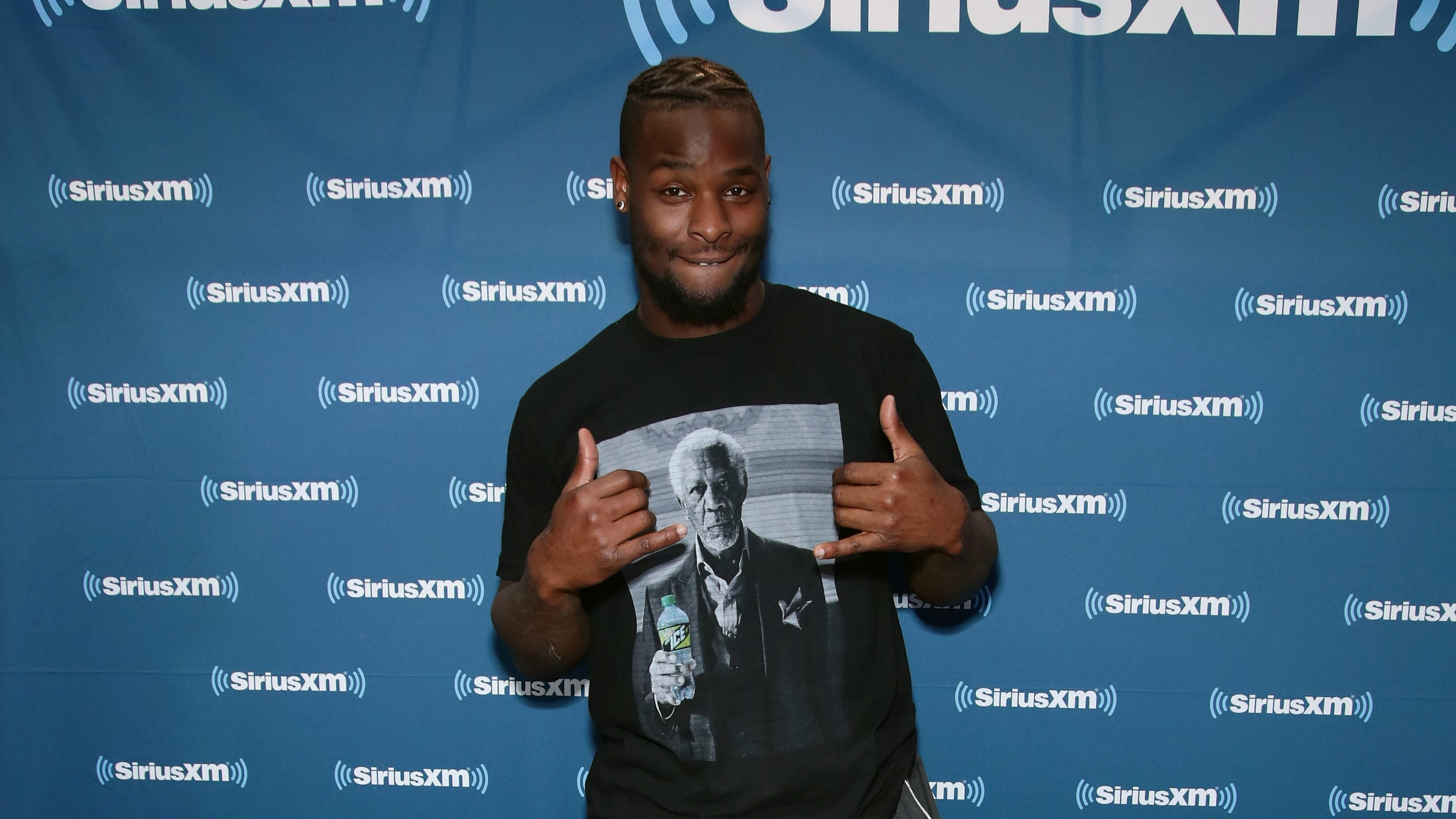 MINNEAPOLIS, MN - FEBRUARY 02:  Le'Veon Bell of the Pittsburgh Steelers attends SiriusXM at Super Bowl LII Radio Row at the Mall of America on February 2, 2018 in Bloomington, Minnesota.  (Photo by Cindy Ord/Getty Images for SiriusXM)