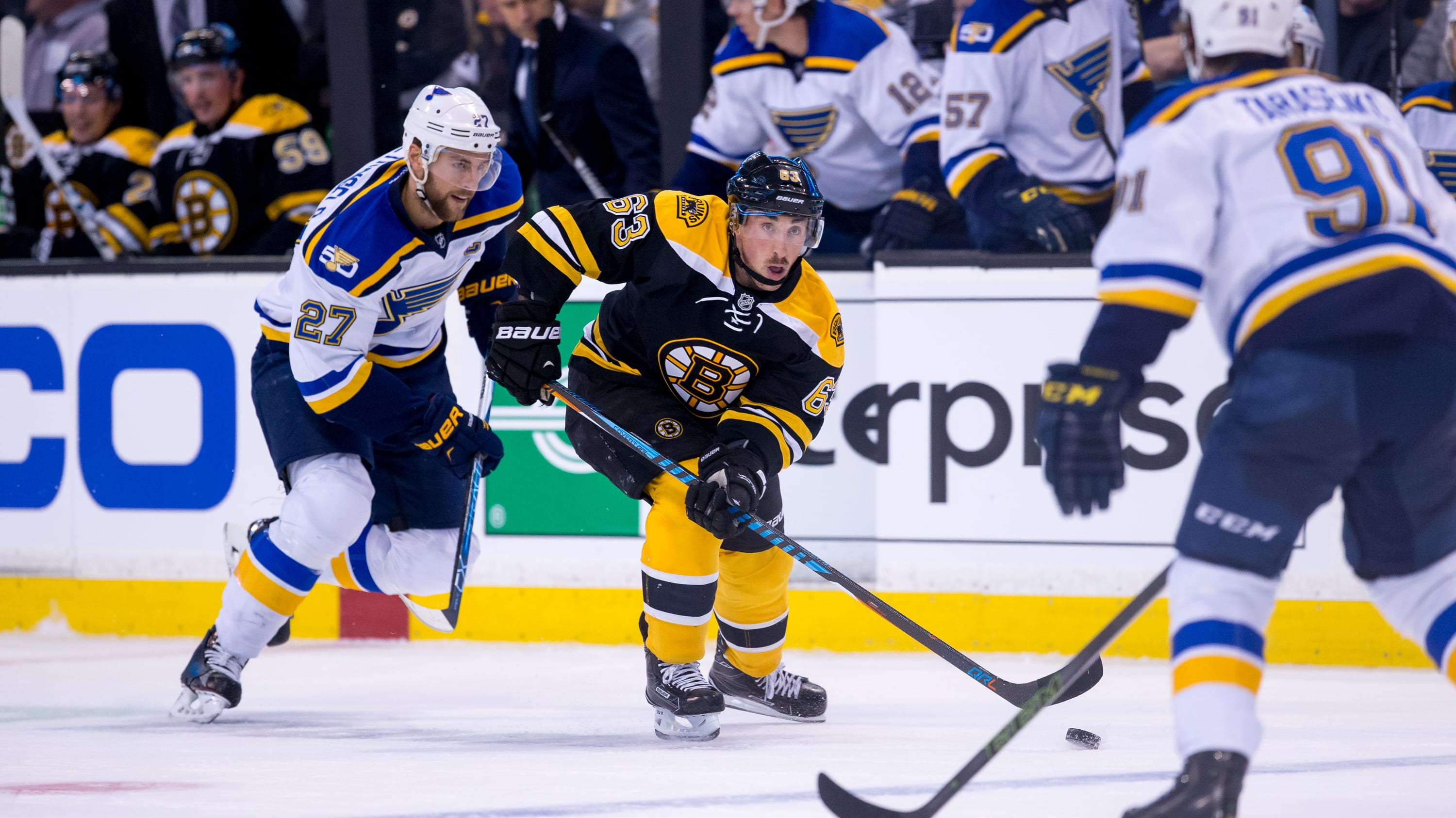 BOSTON, MA - NOVEMBER 22: Brad Marchand #63 of the Boston Bruins controls the puck against the St. Louis Blues during the first period at TD Garden on November 22, 2016 in Boston, Massachusetts. The Blues won 4-2. (Photo by Rich Gagnon/Getty Images)