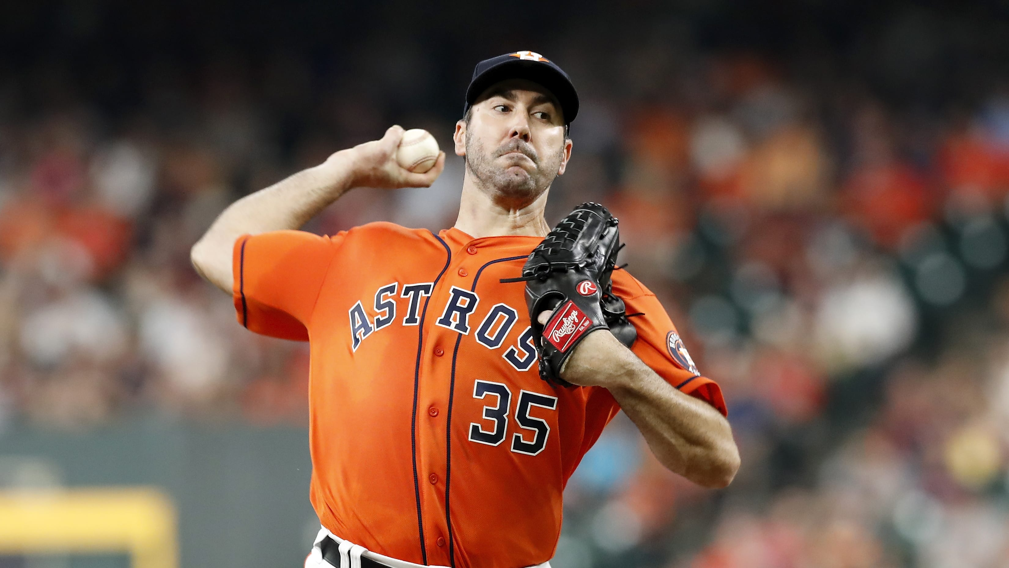 HOUSTON, TX - MAY 10:  Justin Verlander #35 of the Houston Astros pitches in the second inning against the Texas Rangers at Minute Maid Park on May 10, 2019 in Houston, Texas.  (Photo by Tim Warner/Getty Images)