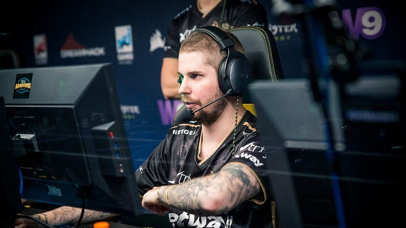 Dennis Returns to NIP Active Roster